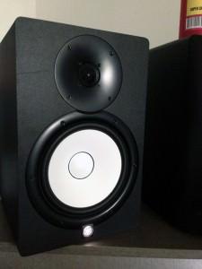 Yamaha HS8 im Studio antestbereit