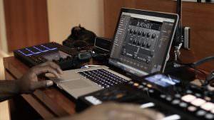 versorgen Produzenten und Performer mit extraterrestrischen Sounds